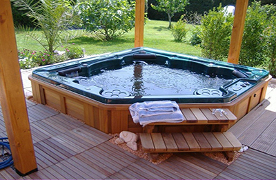 jacuzzi-outdoor-hot-tubs1